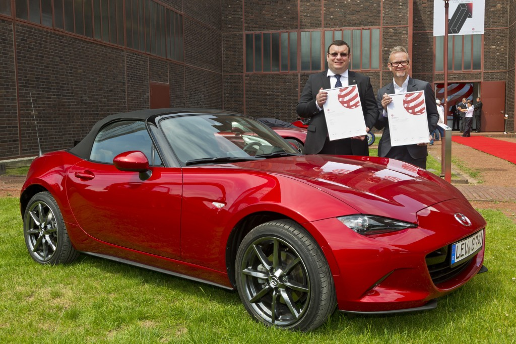 Kevin Rice (Design Director at Mazda Motor Europe) and Wojciech Halarewicz (Vice President Communications at Mazda Motor Europe)
